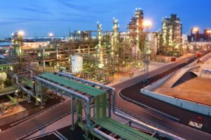 Renewable products refinery
